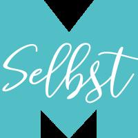Logo von Maren Selbst, blaues M und weißer Schriftzug